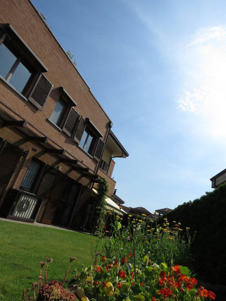 Case-in-vendita-con-giardino-in-Cavenago-Brianza-12