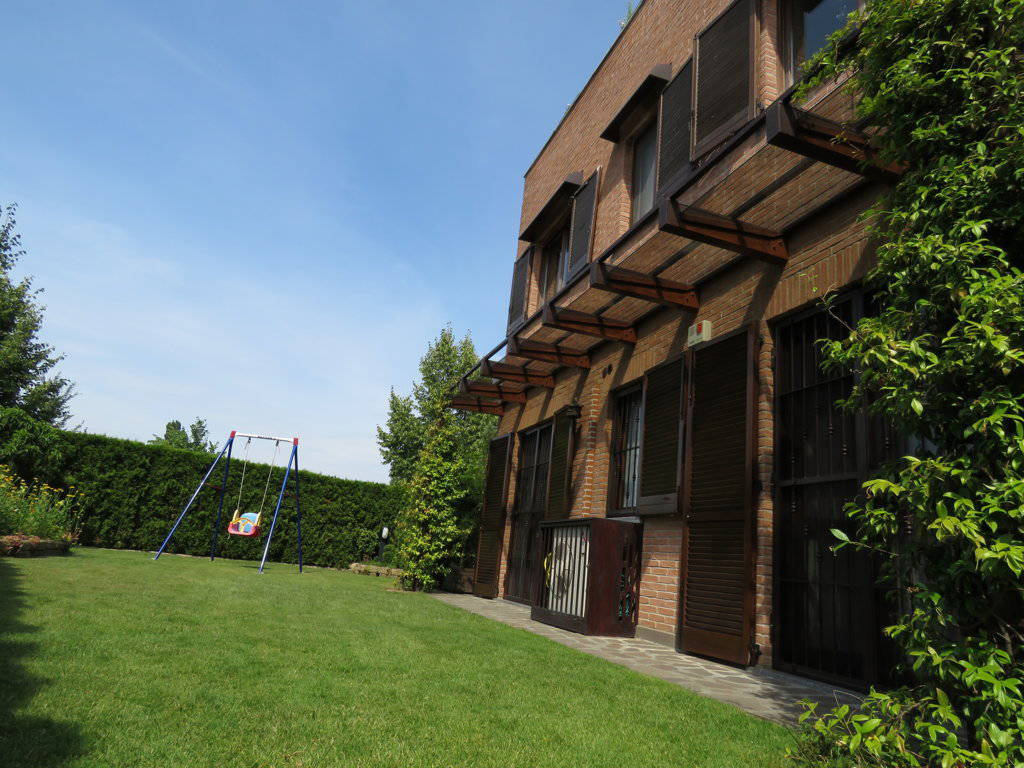 Case-in-vendita-con-giardino-in-Cavenago-Brianza-23