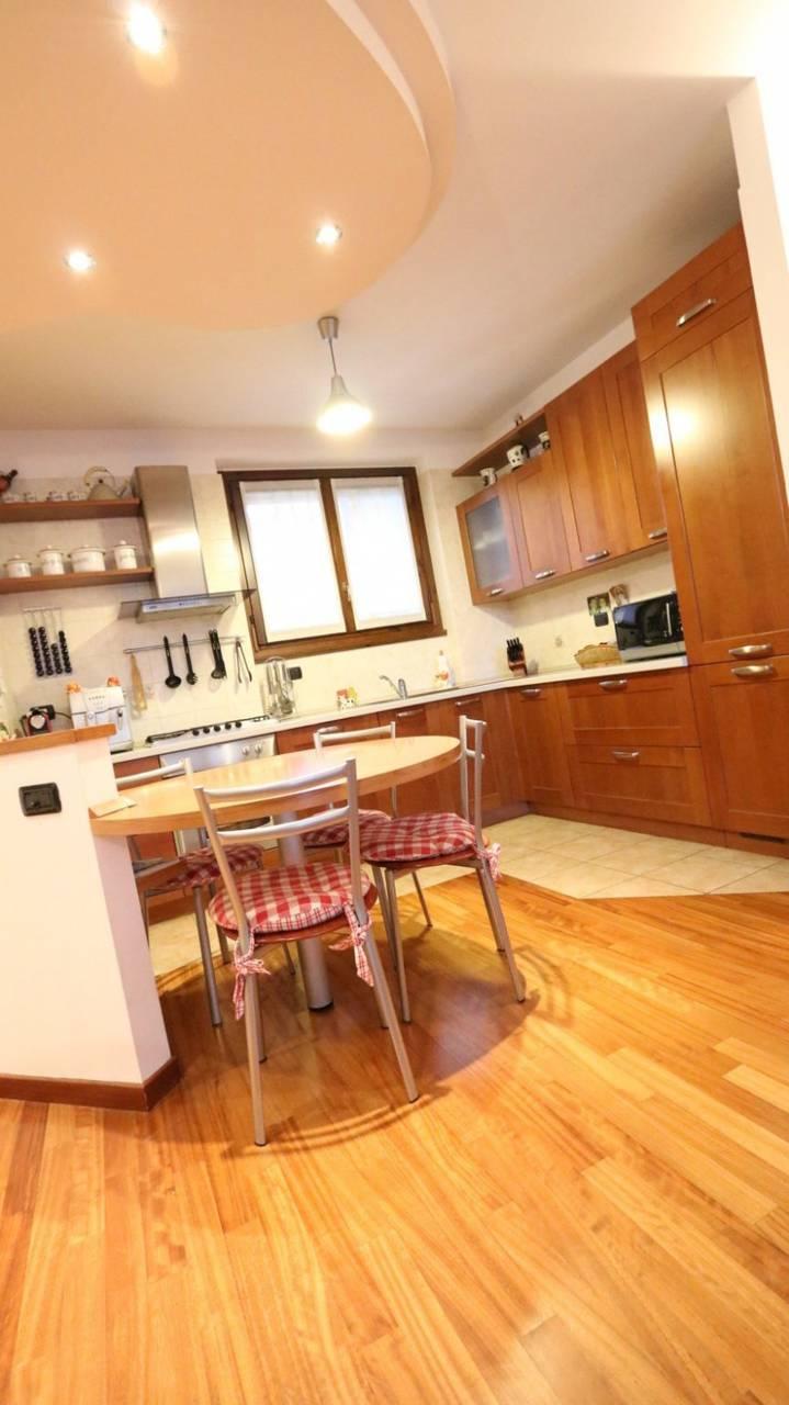 Case-in-vendita-con-giardino-in-Cavenago-Brianza-5