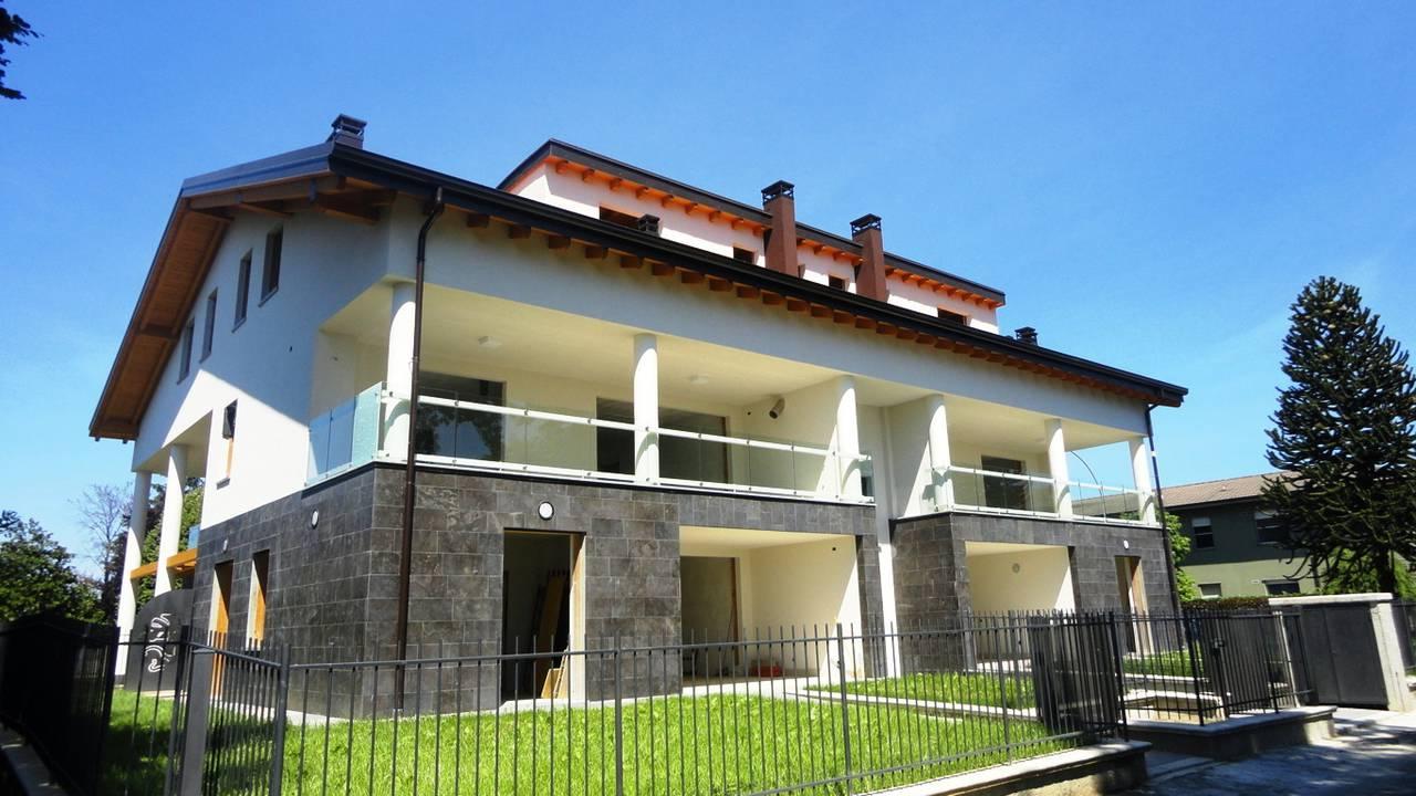 Case-in-vendita-con-terrazzo-a-Burago-di-Molgora-in-Brianza-5