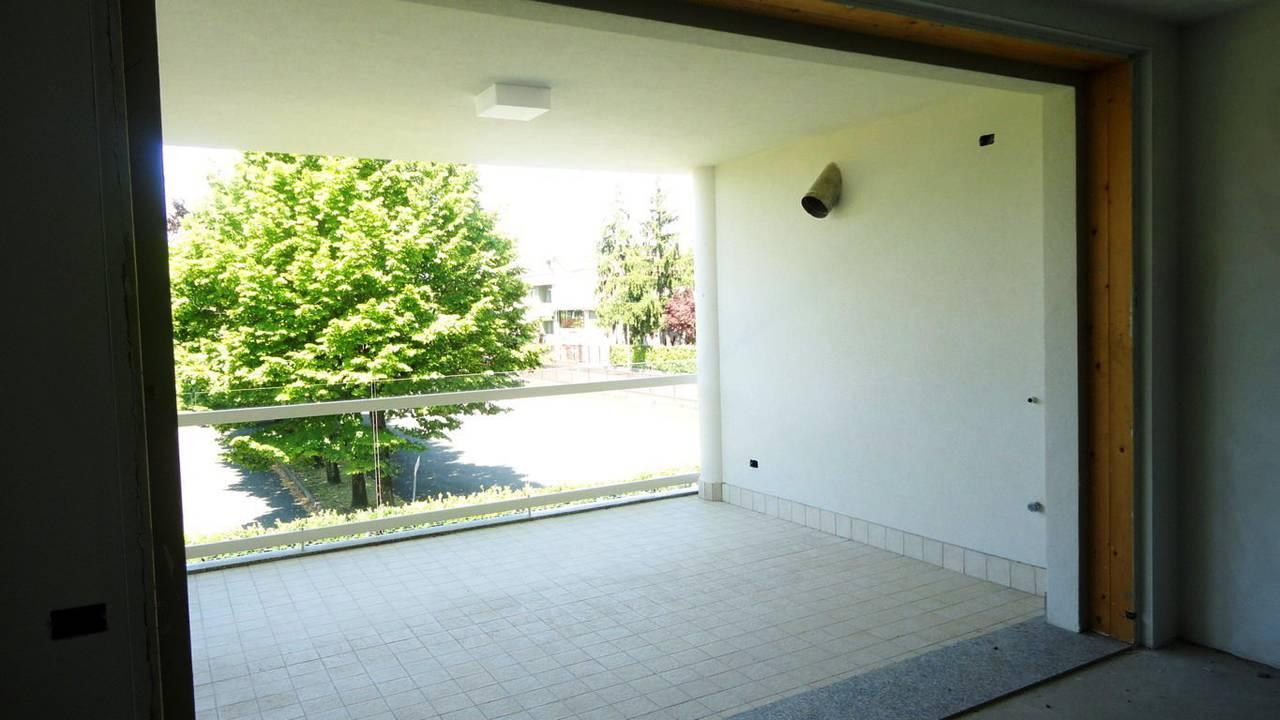 Case-in-vendita-con-terrazzo-a-Burago-di-Molgora-in-Brianza-9