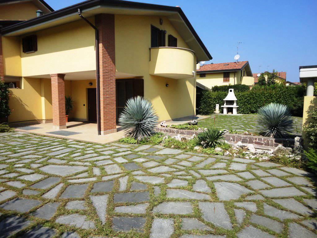 In-vendita-villa-a-Cavenago-Brianza