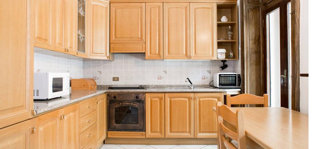 Porzione-di-villa-bifamigliare-in-vendita-a-Lanzo-d39Intelvi-10