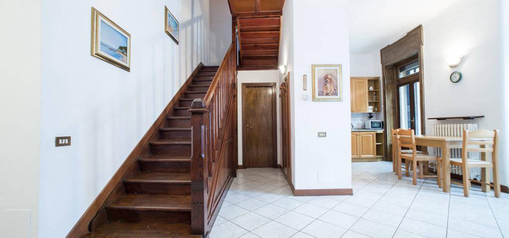Porzione-di-villa-bifamigliare-in-vendita-a-Lanzo-d39Intelvi-11