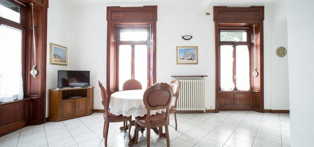 Porzione-di-villa-bifamigliare-in-vendita-a-Lanzo-d39Intelvi-13