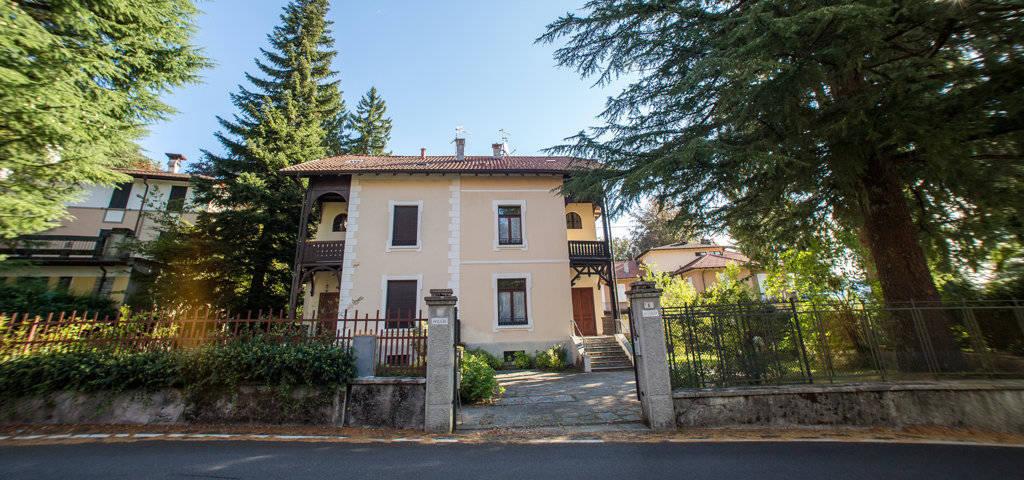 Porzione-di-villa-bifamigliare-in-vendita-a-Lanzo-d39Intelvi-3