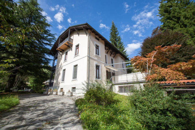 Porzione di villa bifamigliare in vendita a Lanzo d'Intelvi - Como - 1