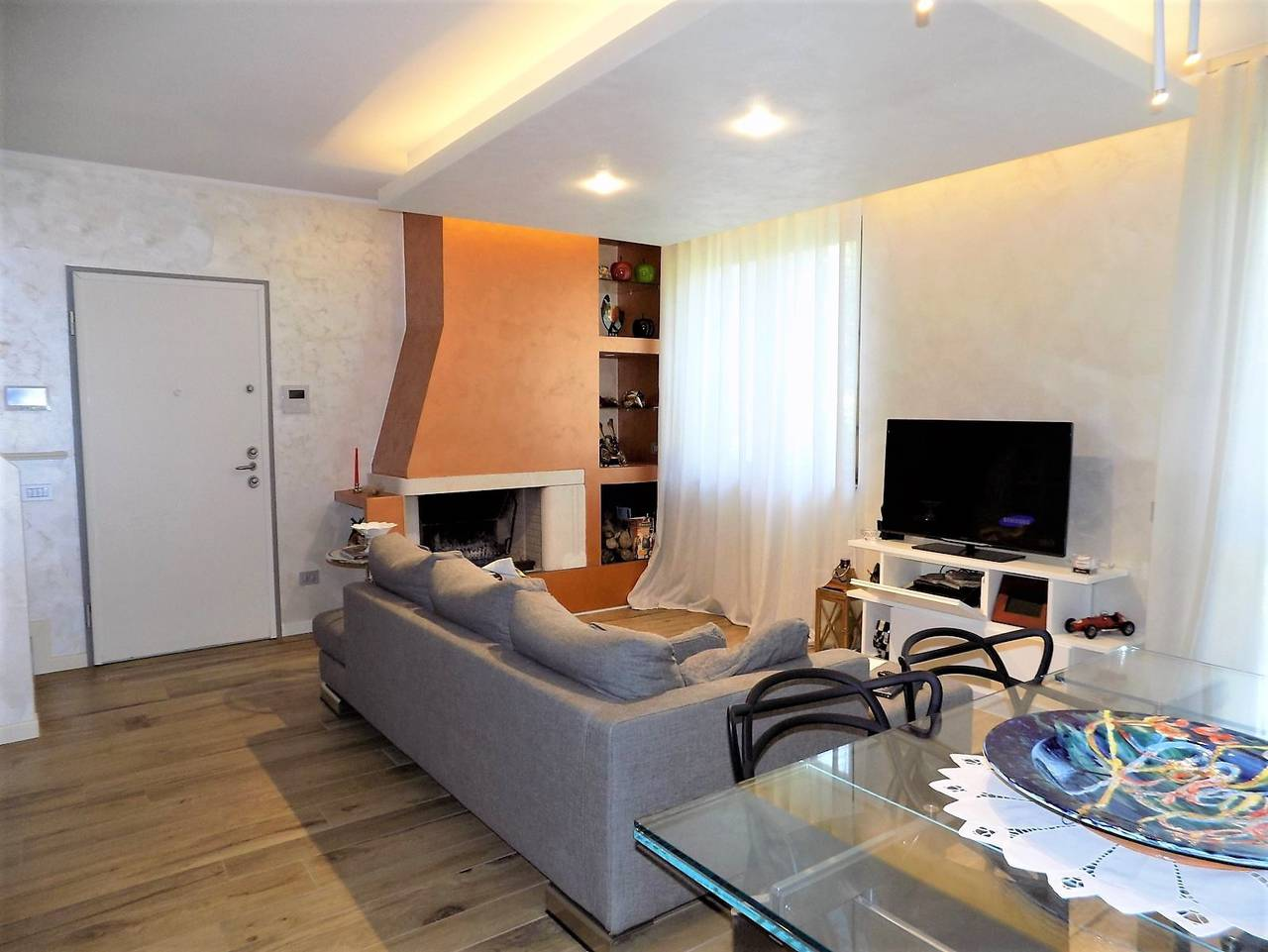 Porzione-villa-bifamigliare-ristrutturata-in-vendita-a-Carnate-7