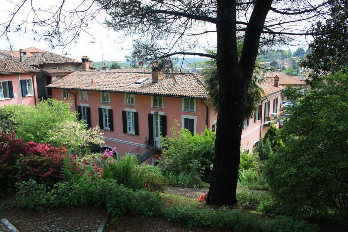 Residenza-d8217epoca-con-parco-in-vendita-a-Albese-con-Cassano-10