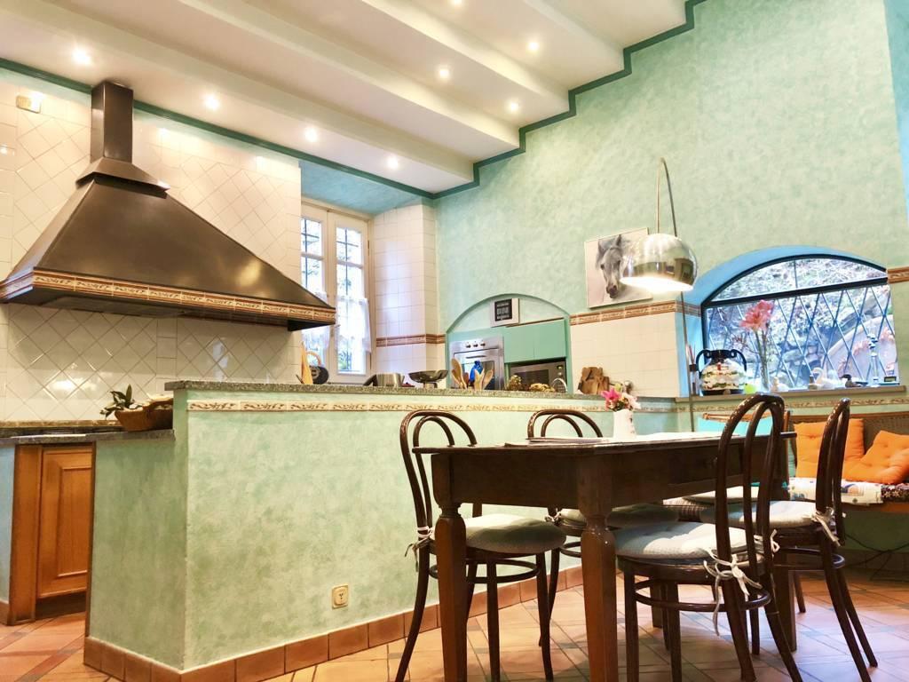 Residenza-d8217epoca-con-parco-in-vendita-a-Albese-con-Cassano-15