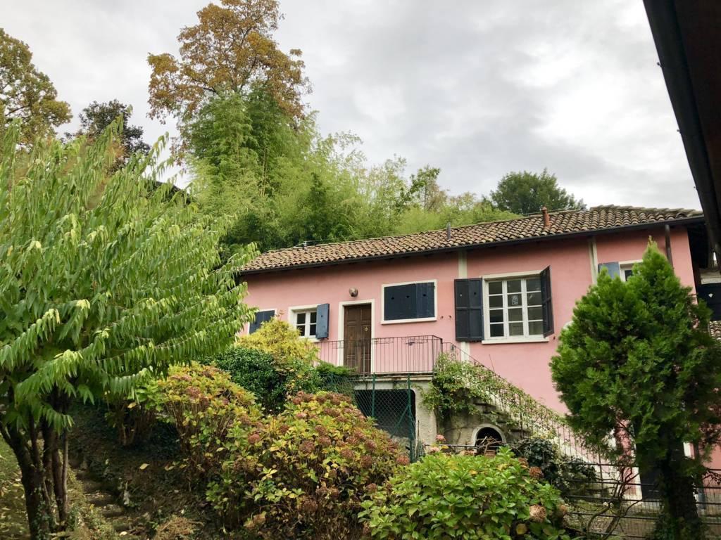 Residenza-d8217epoca-con-parco-in-vendita-a-Albese-con-Cassano-18