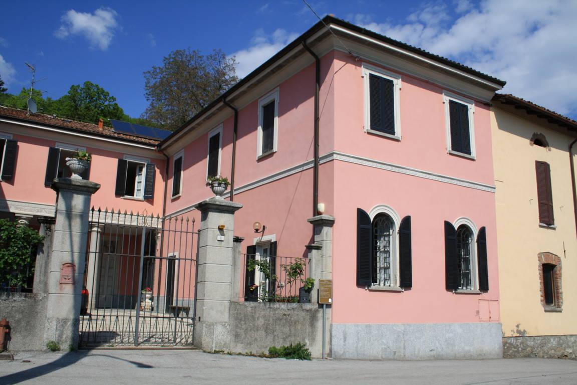 Residenza-d8217epoca-con-parco-in-vendita-a-Albese-con-Cassano-22