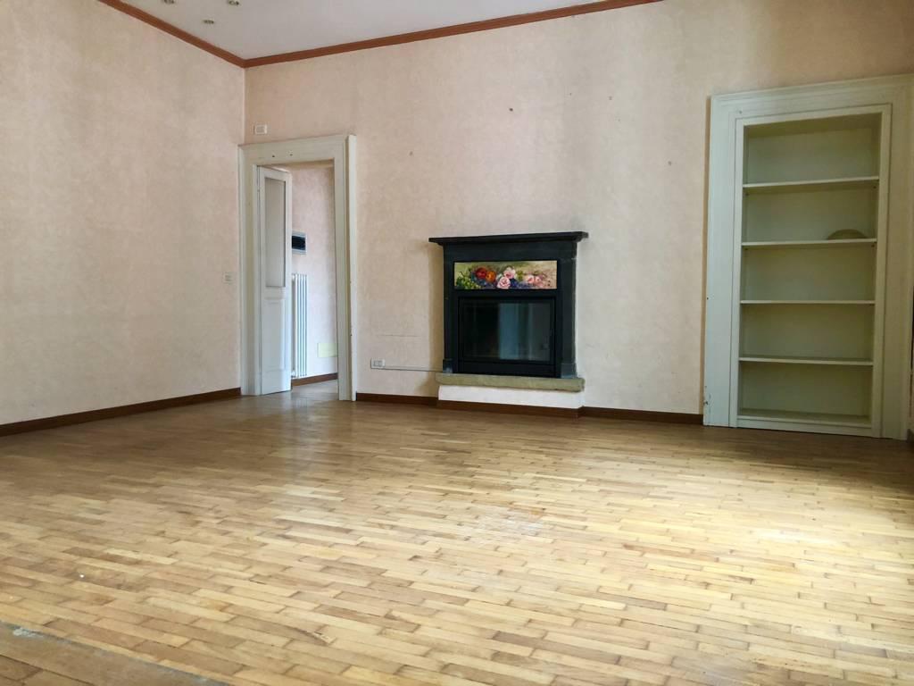 Residenza-d8217epoca-con-parco-in-vendita-a-Albese-con-Cassano-30