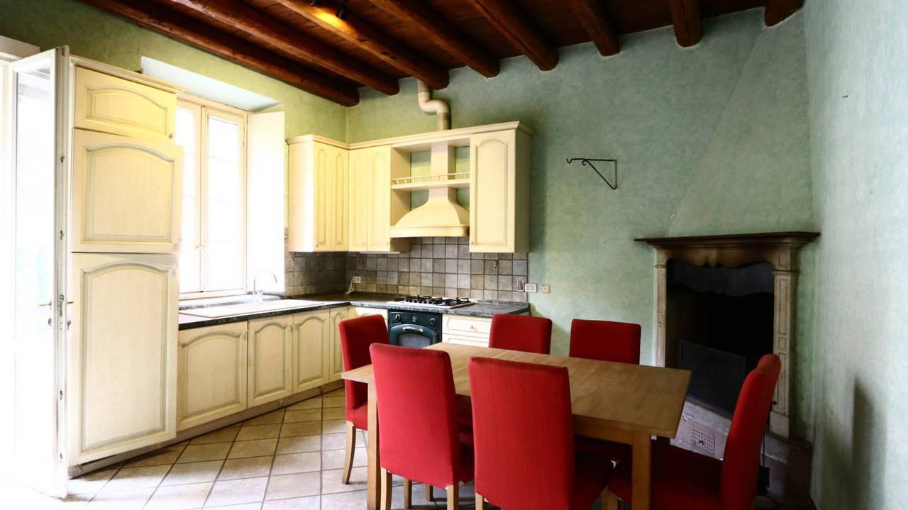 Residenza-d8217epoca-con-parco-in-vendita-a-Albese-con-Cassano-33