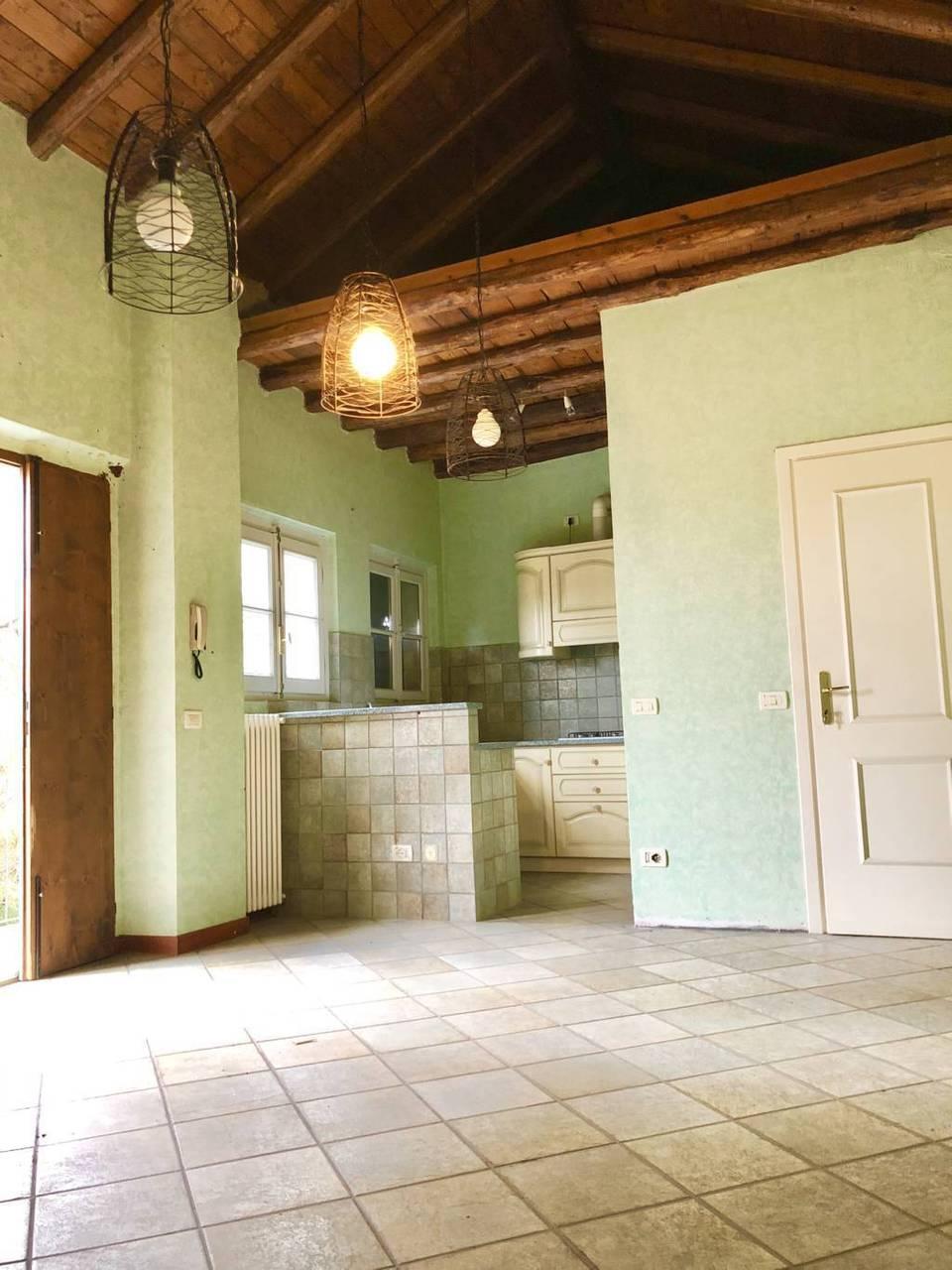 Residenza-d8217epoca-con-parco-in-vendita-a-Albese-con-Cassano-34