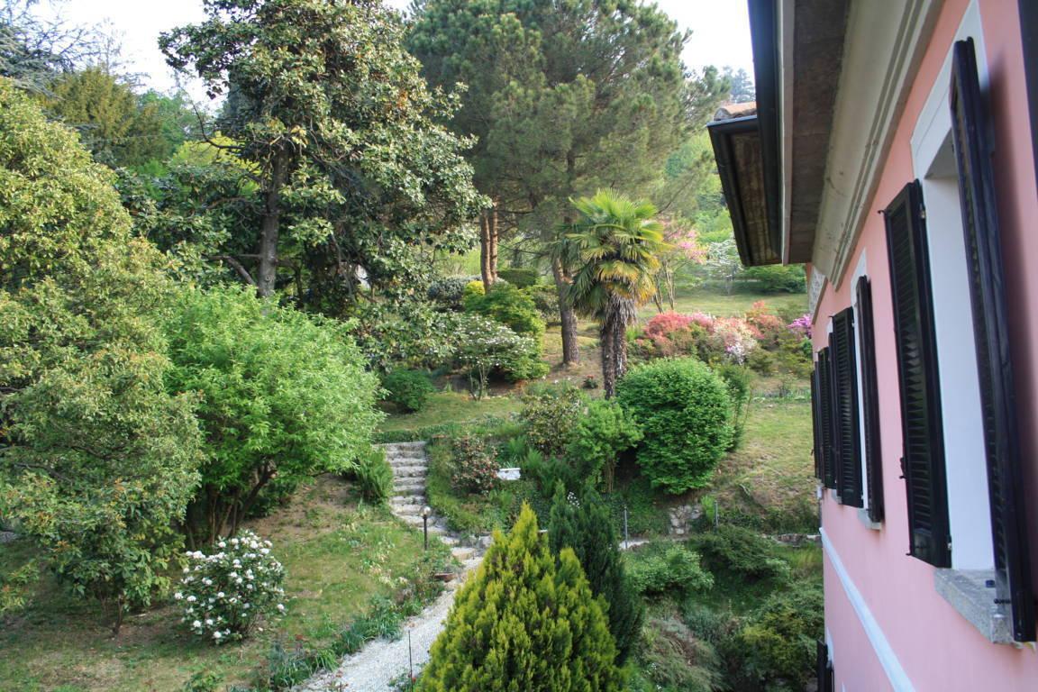 Residenza-d8217epoca-con-parco-in-vendita-a-Albese-con-Cassano-36