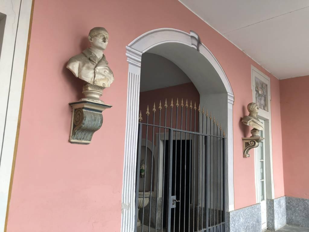 Residenza-d8217epoca-con-parco-in-vendita-a-Albese-con-Cassano-5