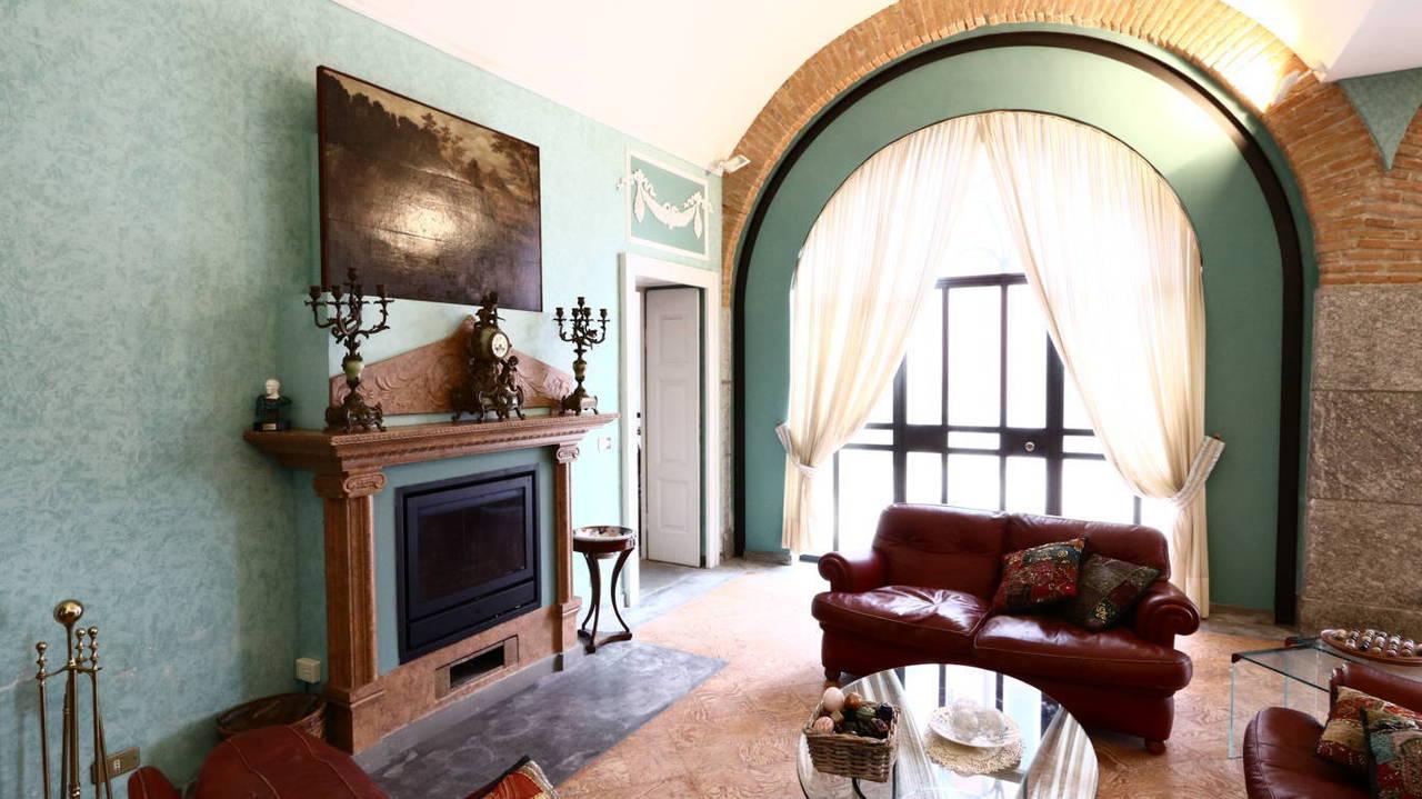 Residenza-d8217epoca-con-parco-in-vendita-a-Albese-con-Cassano-7