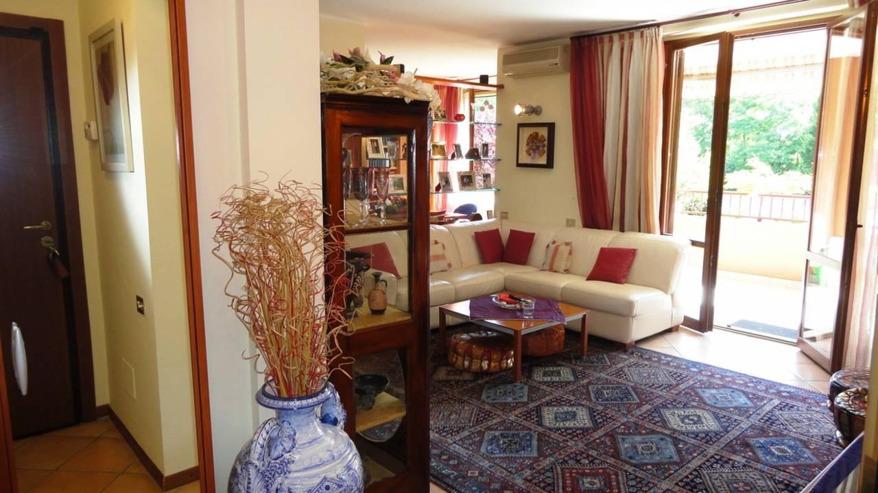 Trilocale-in-vendita-a-Cambiago-con-terrazzo-10