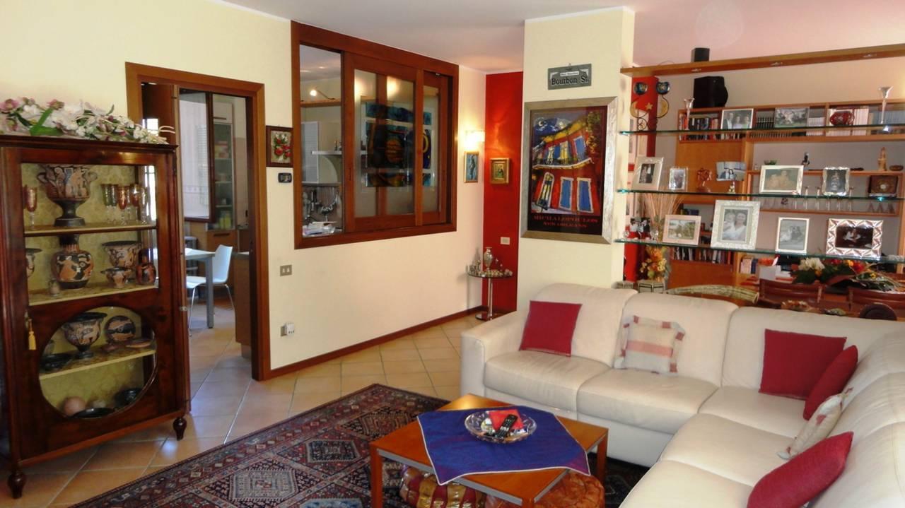 Trilocale-in-vendita-a-Cambiago-con-terrazzo-14