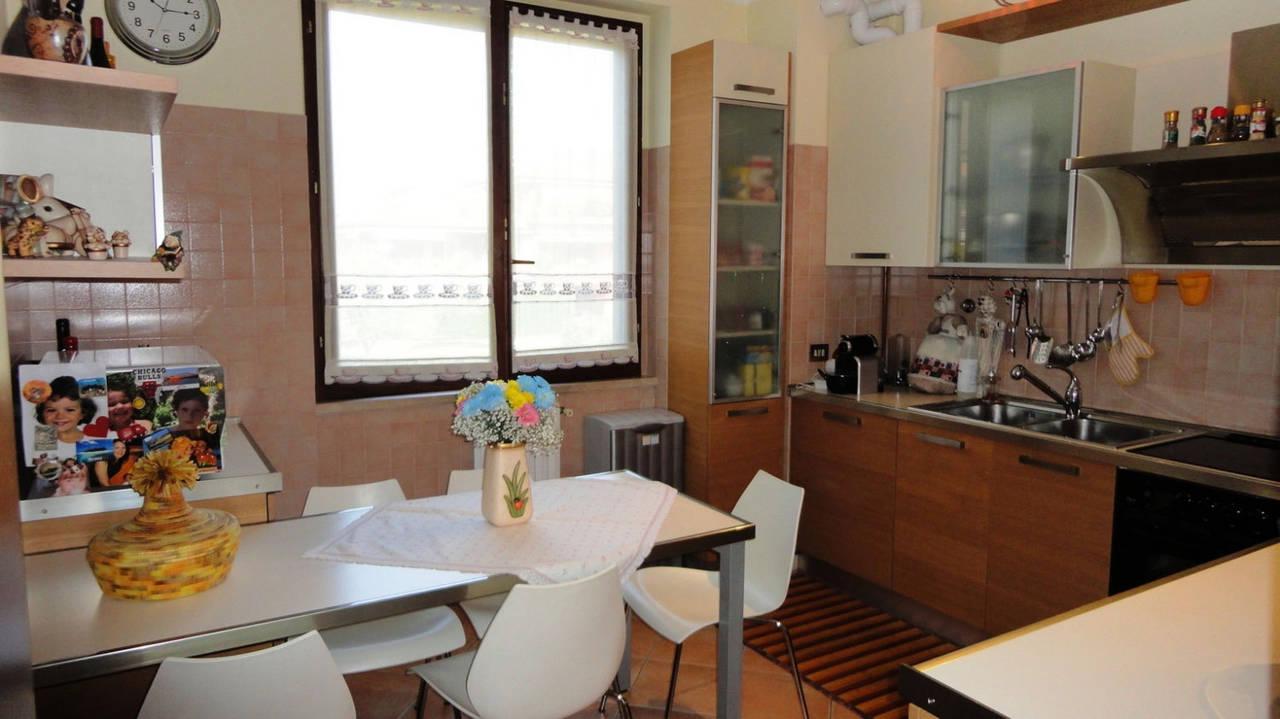 Trilocale-in-vendita-a-Cambiago-con-terrazzo-3