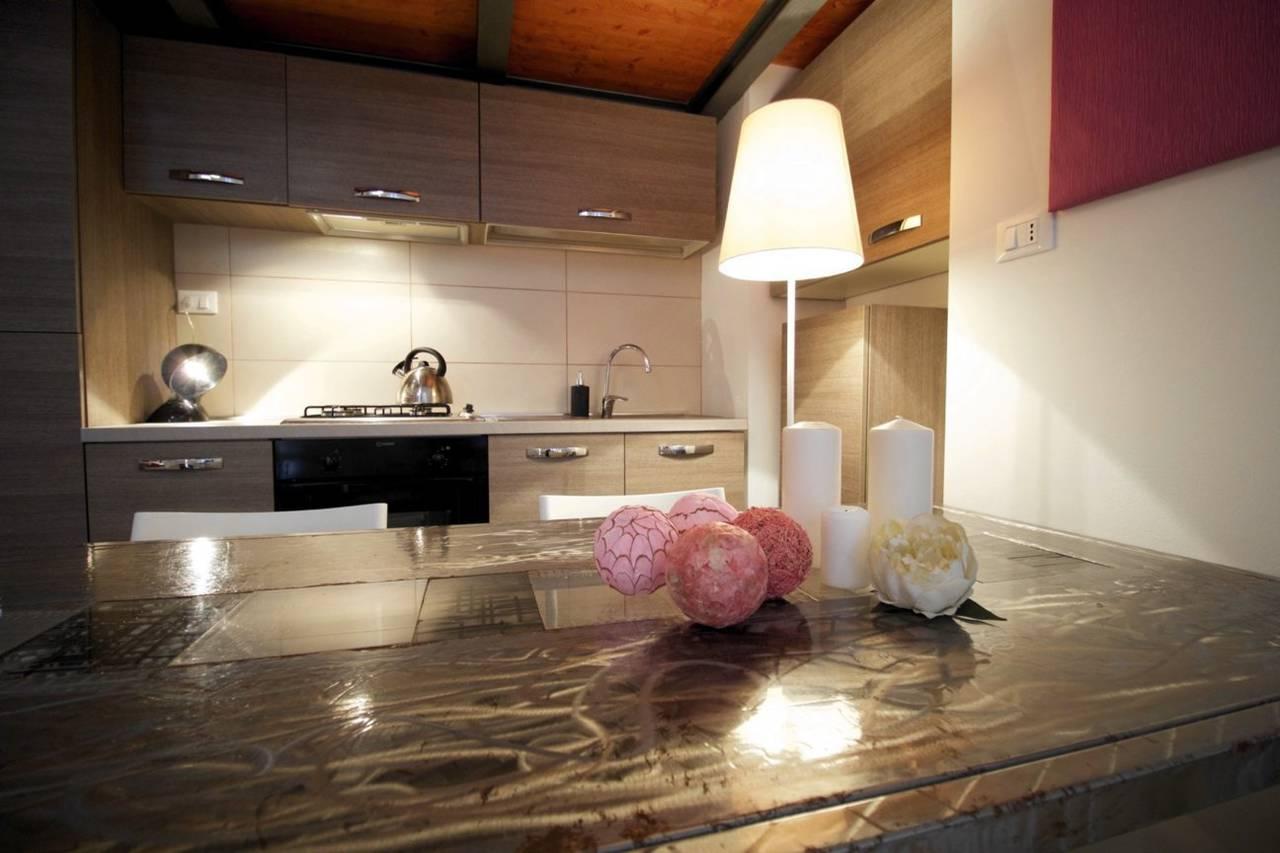 Una-casa-di-design-in-una-corte-a-Milano-1