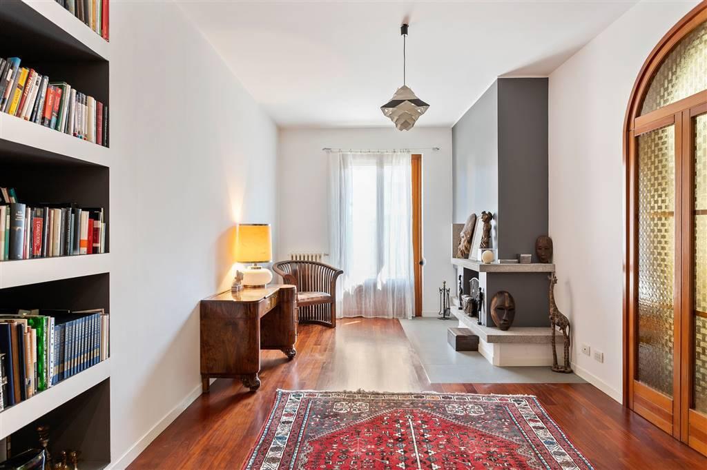 Villa-Merate-in-vendita-giardino-1.500-mq-1