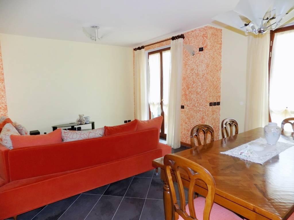 Villa-accogliente-e-curata-in-vendita-a-Cornate-d39Adda-in-Brianza-17