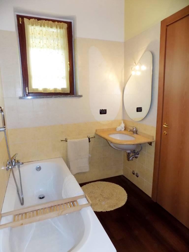 Villa-accogliente-e-curata-in-vendita-a-Cornate-d39Adda-in-Brianza-18