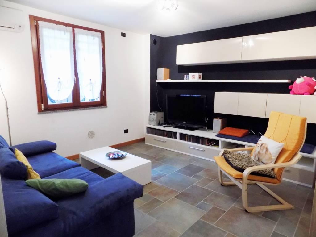 Villa-accogliente-e-curata-in-vendita-a-Cornate-d39Adda-in-Brianza-9