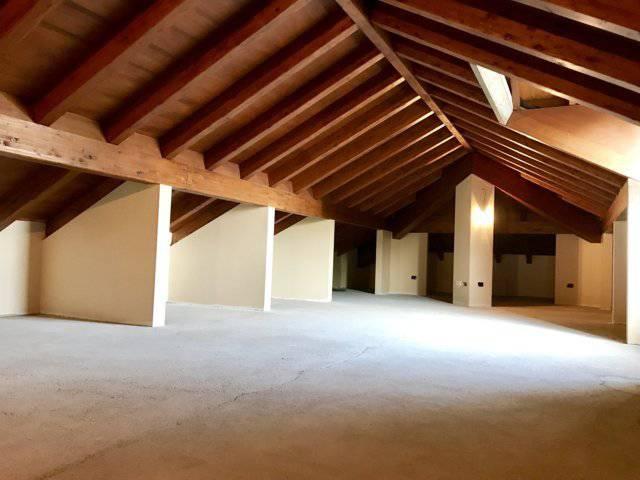 Villa-ampia-metratura-in-vendita-a-Zibido-San-Giacomo-Milano-12