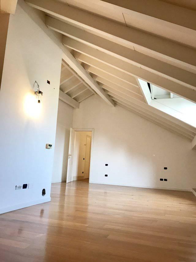Villa-ampia-metratura-in-vendita-a-Zibido-San-Giacomo-Milano-13