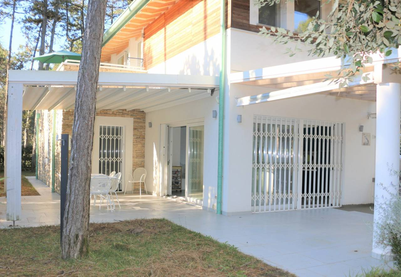 Villa-con-2-appartamenti-in-vendita-a-Bibione-1