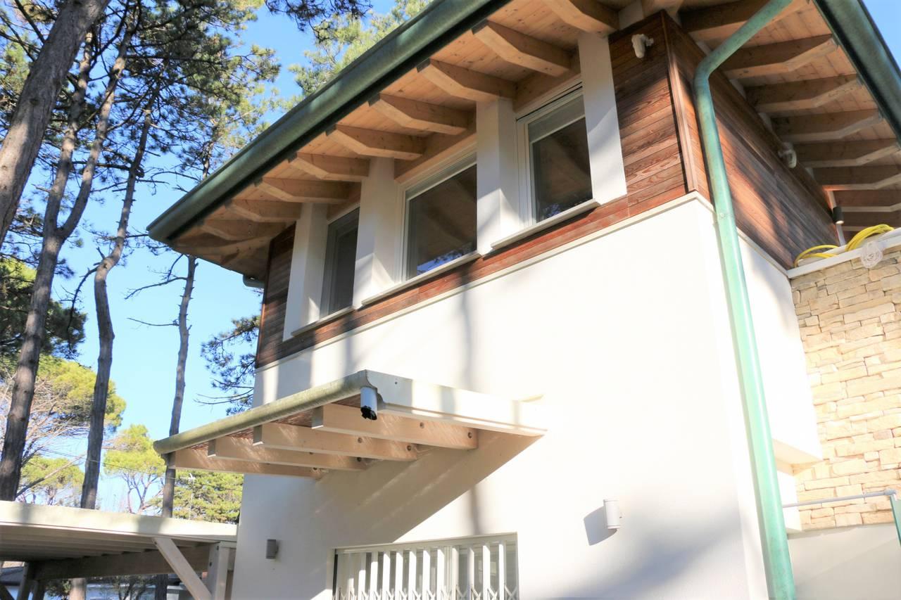 Villa-con-2-appartamenti-in-vendita-a-Bibione-10