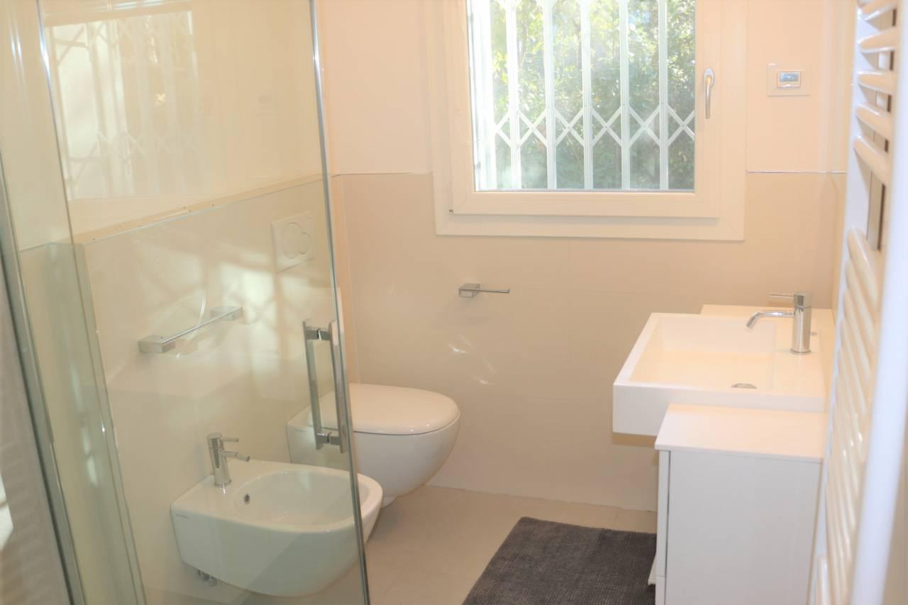 Villa-con-2-appartamenti-in-vendita-a-Bibione-24