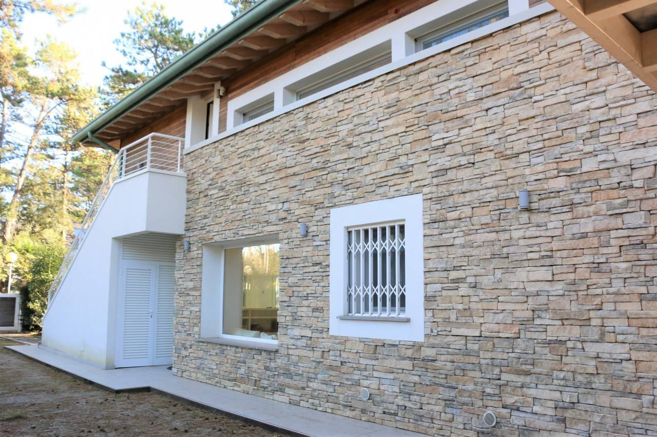 Villa-con-2-appartamenti-in-vendita-a-Bibione-3