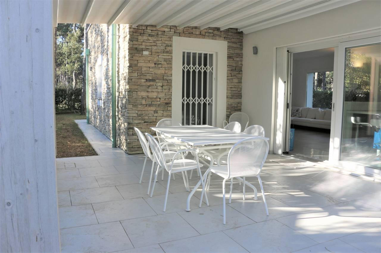 Villa-con-2-appartamenti-in-vendita-a-Bibione-6