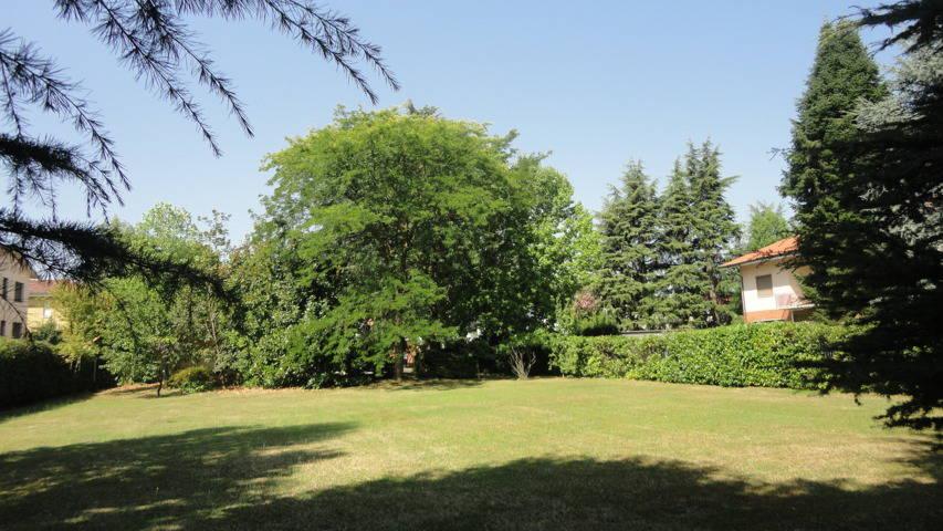 Villa-con-due-appartamenti-in-vendita-a-Cornate-d-Adda-1