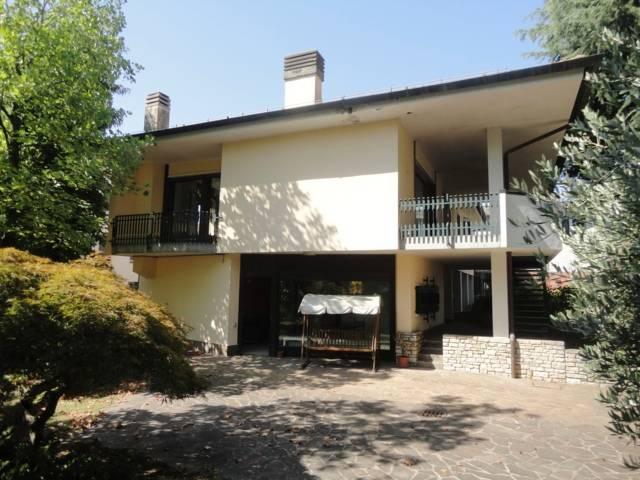 Villa-con-due-appartamenti-in-vendita-a-Cornate-d-Adda-14