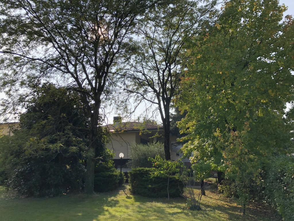 Villa-con-due-appartamenti-in-vendita-a-Cornate-d-Adda-16
