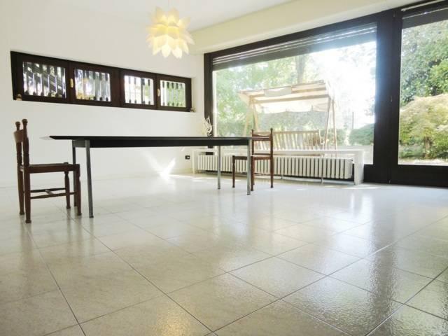 Villa-con-due-appartamenti-in-vendita-a-Cornate-d-Adda-17