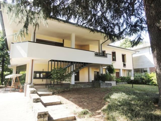 Villa-con-due-appartamenti-in-vendita-a-Cornate-d-Adda-22