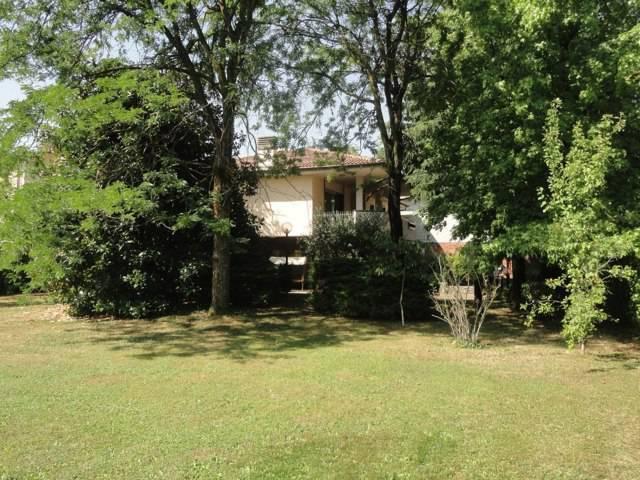 Villa-con-due-appartamenti-in-vendita-a-Cornate-d-Adda-5