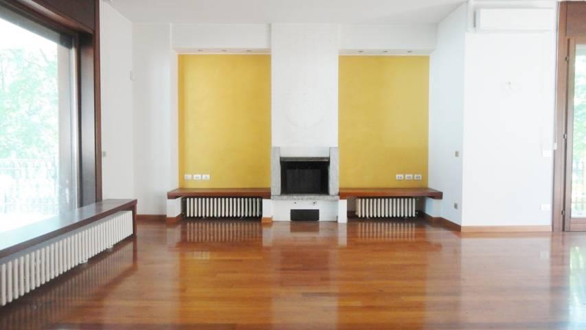 Villa-con-due-appartamenti-in-vendita-a-Cornate-d-Adda-6