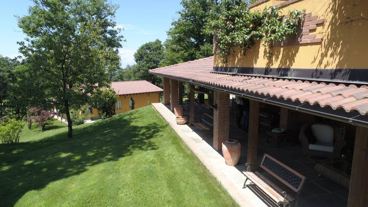 Villa-con-parco-in-vendita-a-Ovada-17
