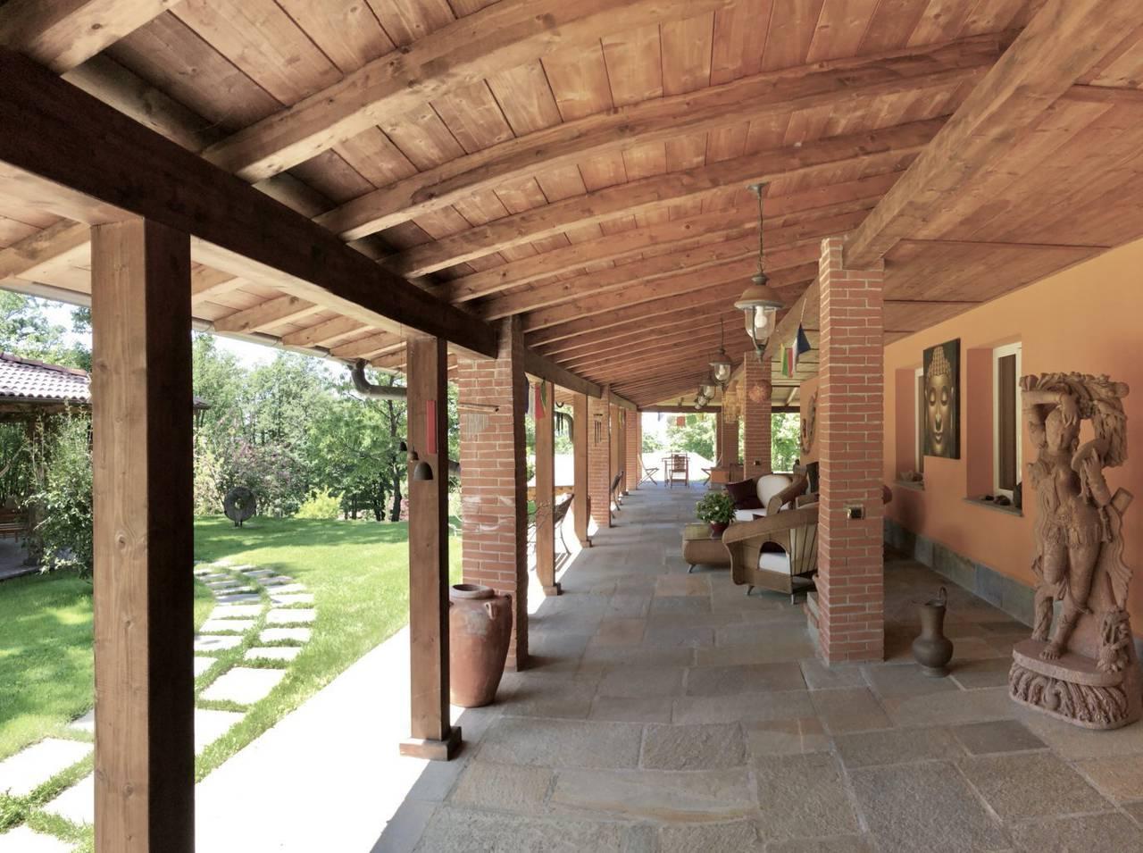 Villa-con-parco-in-vendita-a-Ovada-18