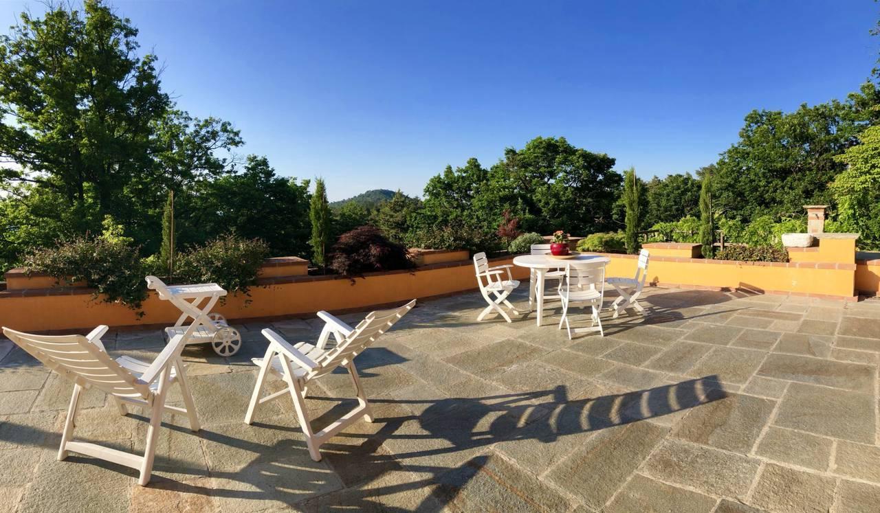Villa-con-parco-in-vendita-a-Ovada-23