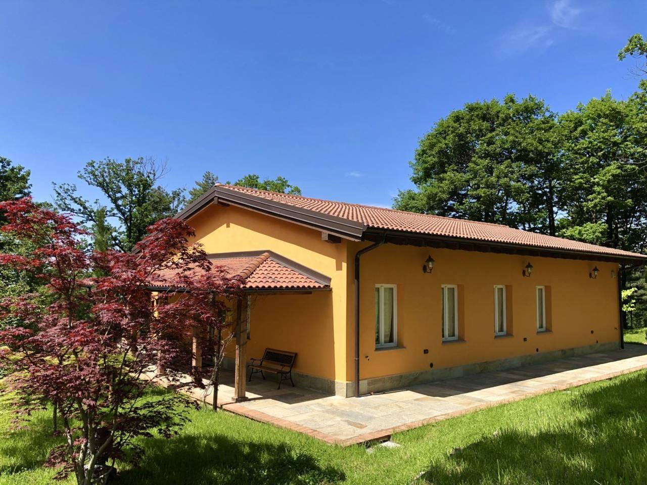 Villa-con-parco-in-vendita-a-Ovada-33