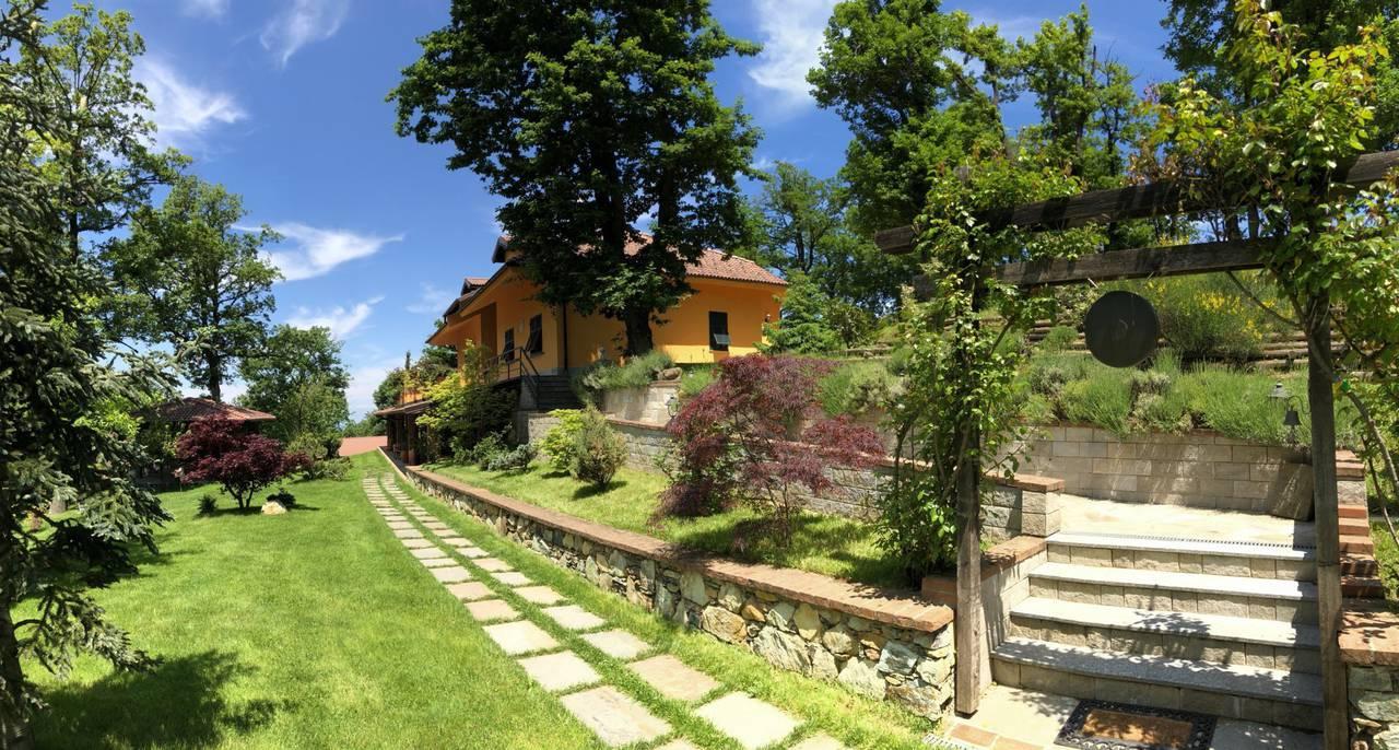 Villa-con-parco-in-vendita-a-Ovada-6