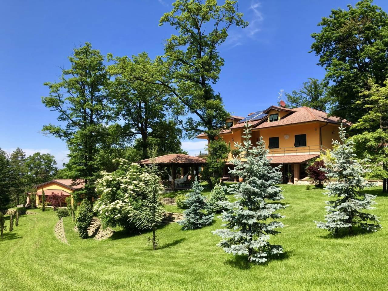 Villa-con-parco-in-vendita-a-Ovada-9